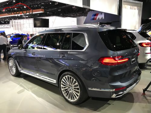 BMW X7: первые живые фото нового баварского флагмана