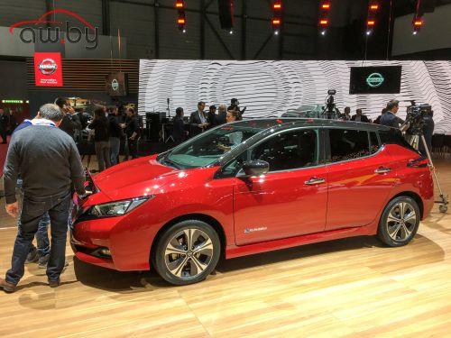 Электрический Nissan научили ездить дальше