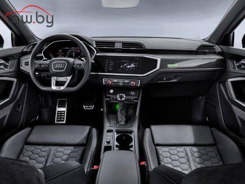 Новая Audi RS Q3 - 400 сил и 4,5 с до «сотни»