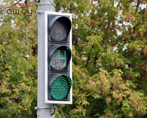 Пешеходам хотят разрешить продлевать работу светофоров
