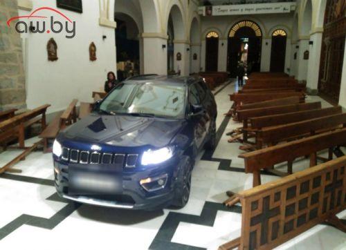 Водитель протаранил храм, пытаясь «укрыться от дьявола»