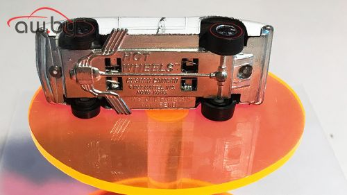 Игрушечная машинка, которая стоит как 4 настоящих (фото)