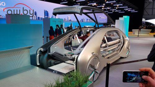 Renault представила самоходную капсулу для каршеринга