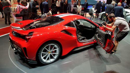 Ferrari 488 Pista: смешное имя, серьезная начинка
