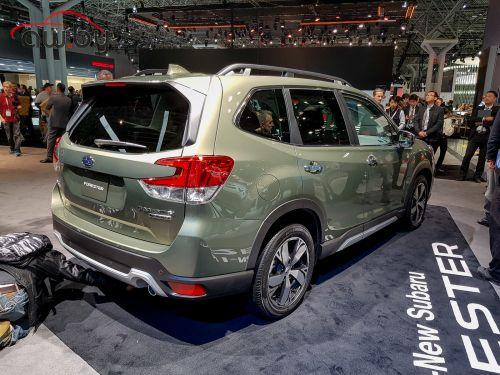 А ты точно новый? Показан Subaru Forester пятого поколения