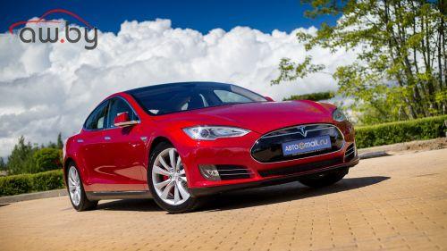 Tesla отзывает более 100 000 автомобилей из-за ржавых болтов
