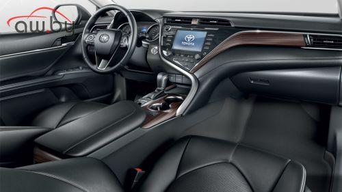 Новая Toyota Camry оказалась дешевле старой (объявлены цены)