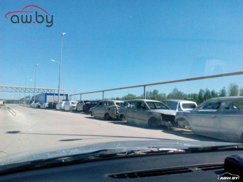 На заводе БелДжи замечены «голые» кузова под открытым небом