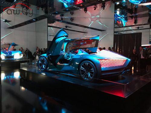 Асимметричный спорткар: представлен новый красивый автомобиль
